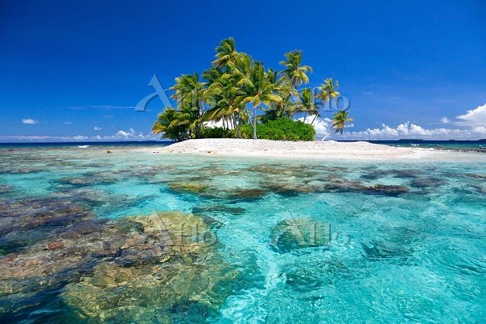 ミクロネシア連邦 海と無人島