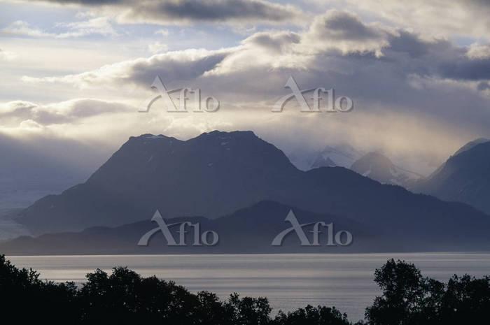 View across Kachemak Bay from ・・・