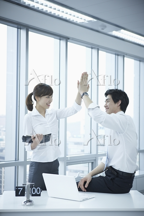 businessman and businesswoman ・・・