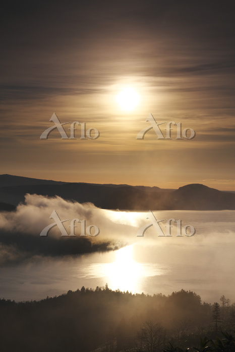 北海道 屈斜路湖の日の出