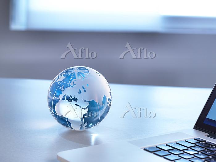 Global Markets, A glass globe ・・・