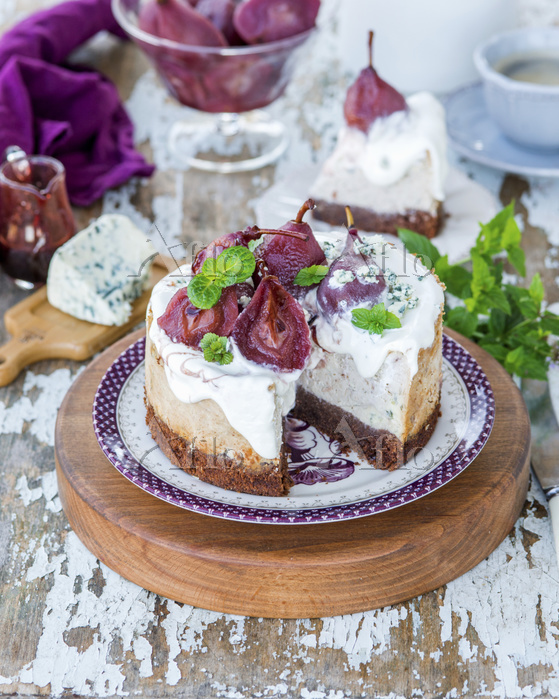 Blue cheese cheesecake with re・・・