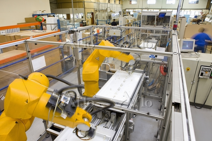 工場 組み立てライン