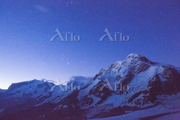 スイス ブライトホルンと星空