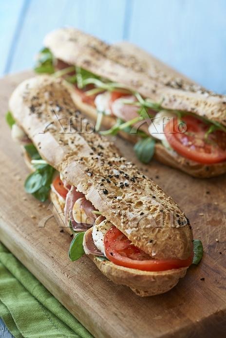 Ham, mozzarella and tomato bag・・・