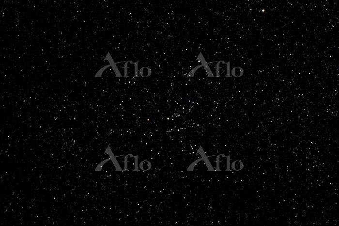 いて座の散開星団(M25)