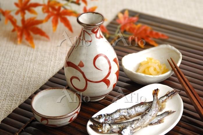 日本酒とシシャモと黄金イカ