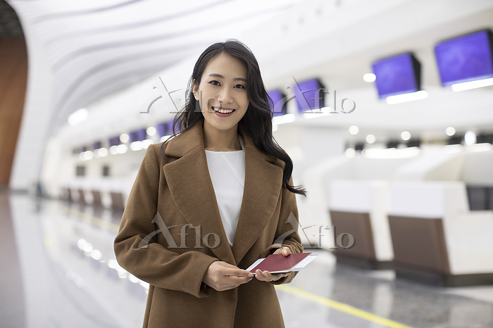 Young Chinese businesswoman wi・・・