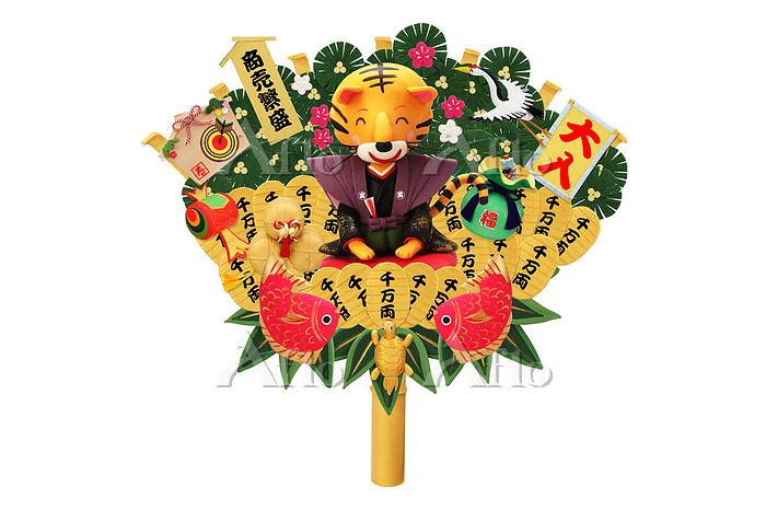 新年の挨拶をする寅の熊手