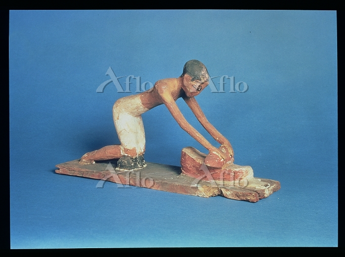 Title:Model of a woman grindin・・・