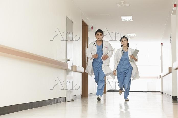 救急に駆けつける医者