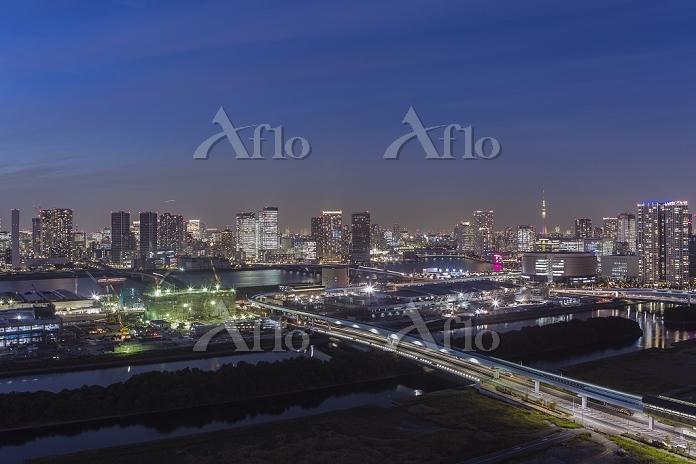 東京都 江東区 豊洲市場建設現場と豊洲、晴海周辺のビル群 夕・・・