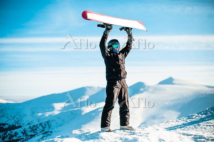 A person wearing a black ski s・・・