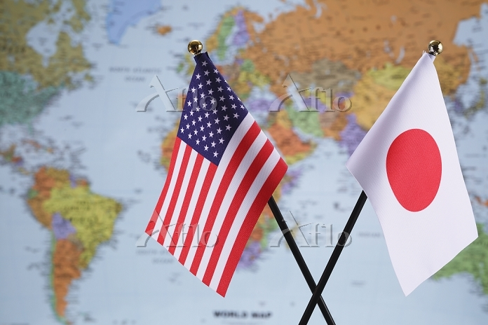 アメリカ合衆国の国旗と日本の国旗
