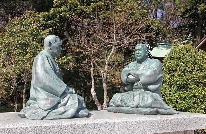西郷隆盛(南洲)と菅実秀(臥牛)の坐像 2014.04.19・・・