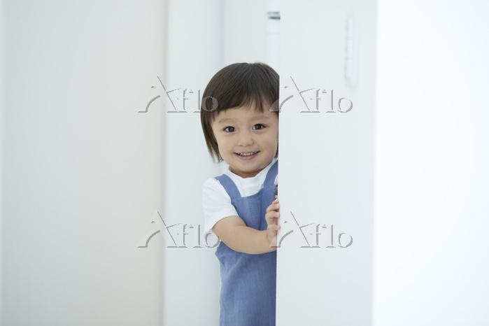 笑顔の日本人の男の子