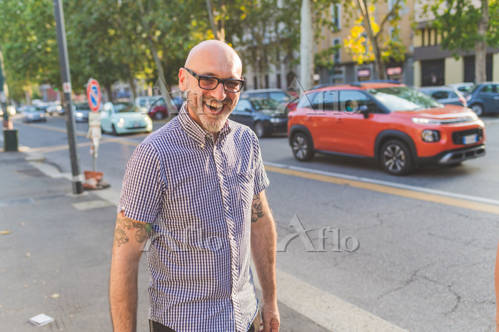 Happy mature man on city stree・・・