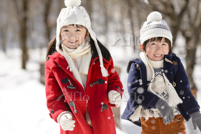 雪山の日本人の子供