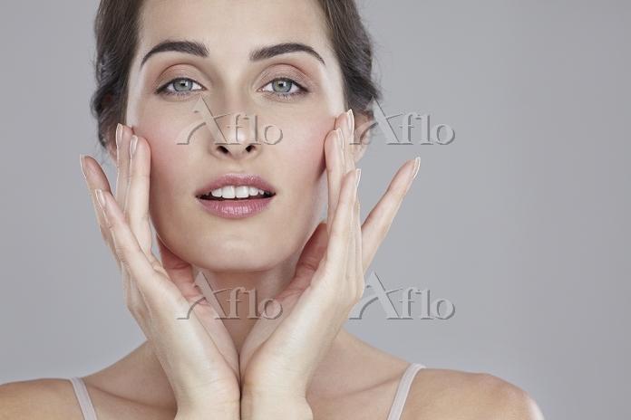スキンケア 外国人女性の顔
