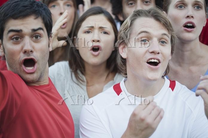 応援する観客