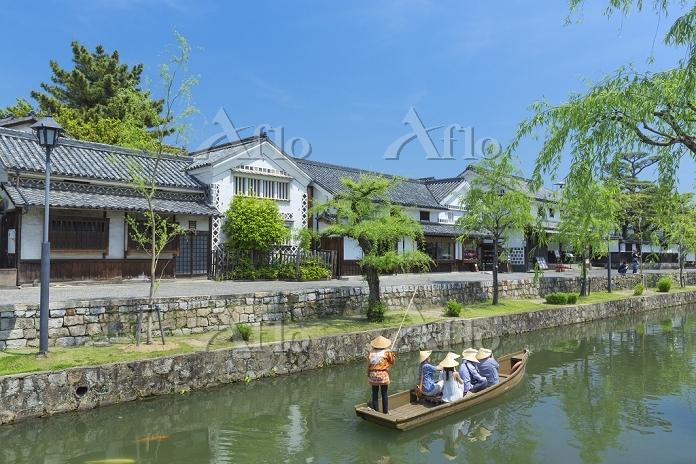 岡山県 新緑の倉敷美観地区の舟流し