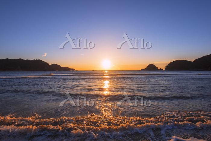 静岡県 弓ヶ浜と朝日