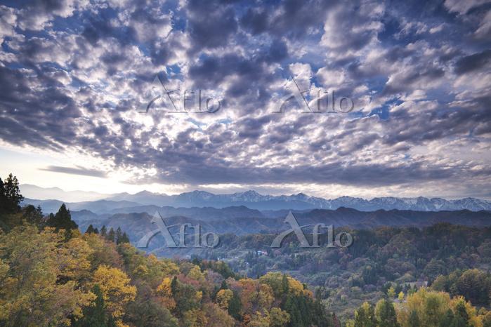 長野県 アルプス展望デッキより北アスプスの夕景