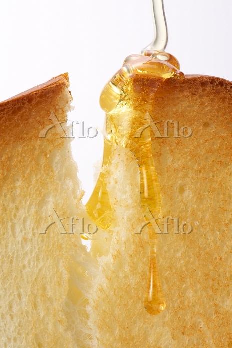 トーストと蜂蜜