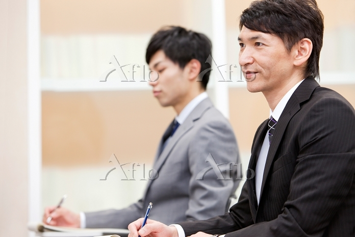 研修を受けるビジネスマン