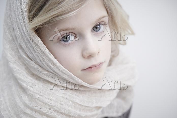 Portrait of girl wearing heads・・・
