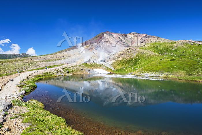 北海道 姿見の池と旭岳