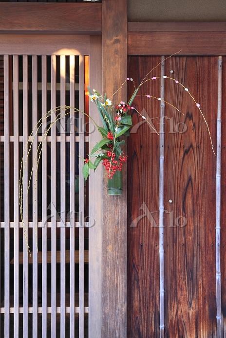京都府 玄関の正月飾り