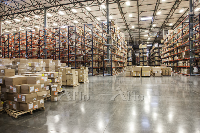 View down aisles of racks hold・・・