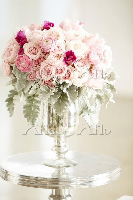 Bouquet of pink roses in silve・・・