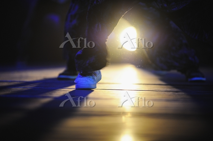 ダンサーの足元