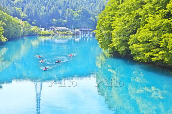 群馬県 新緑の四万湖とカヌー