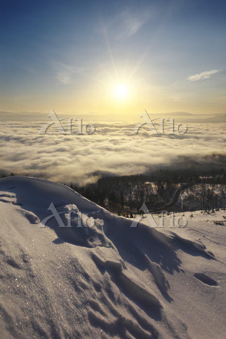 北海道 美幌峠の日の出と屈斜路湖の雲海