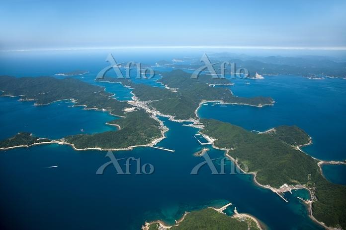 五島列島の島々(奈留島より若松島方面)